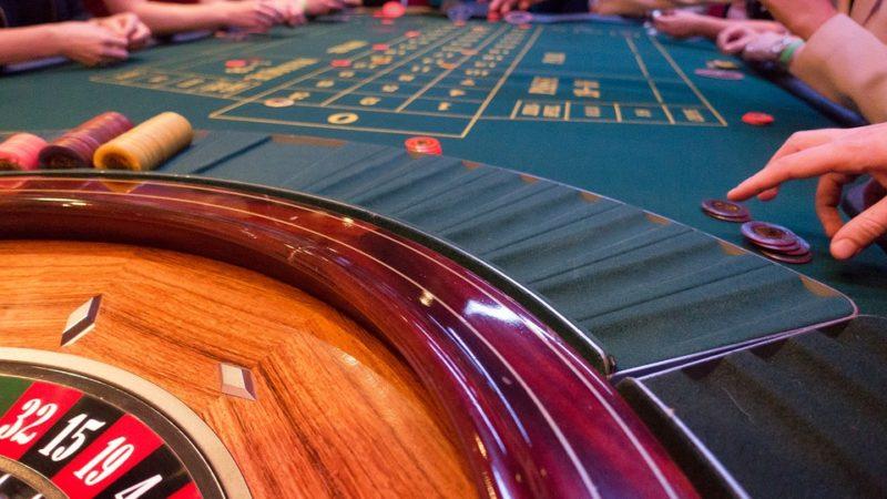 Casas de apuestas en EspañaEl juego en las casas de apuestas: ¿Un negocio o una adicción incontrolable?