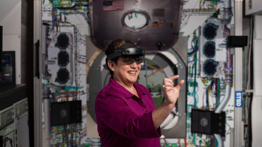 HoloLens 2, el dispositivo de Realidad Mixta de Microsoft, ya está disponible