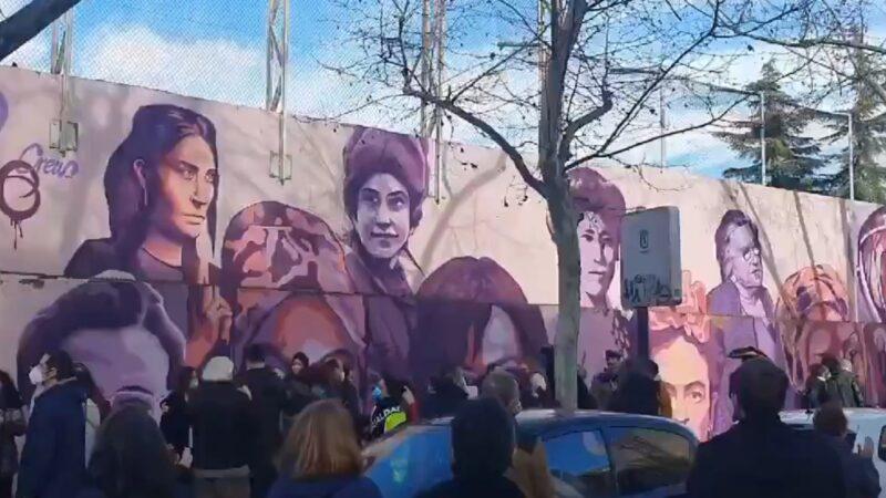 Protestas en defensa del mural feminista de Ciudad Lineal