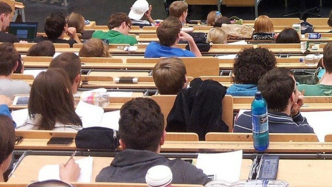 📖 Universidad 📖Las universidades de Madrid mantienen los exámenes presenciales en plena tercera ola