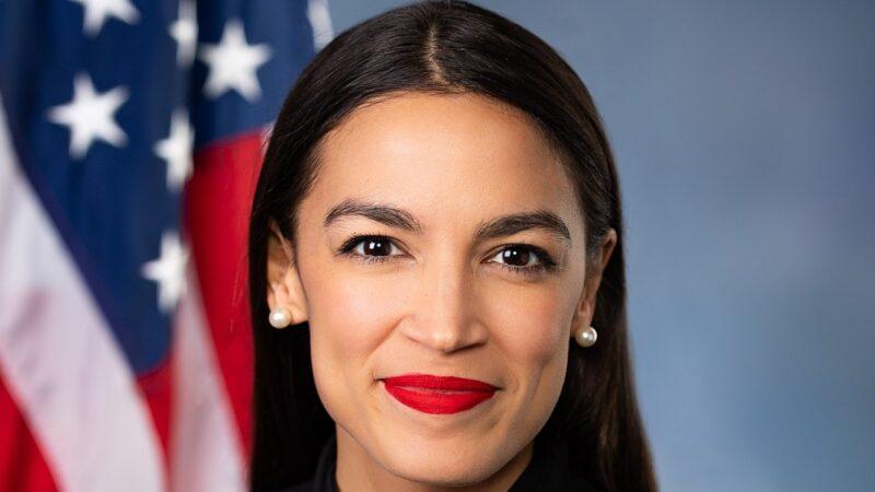 🌐 Alexandria Ocasio-Cortez 🌐La congresista estadounidense Alexandria Ocasio-Cortez revela que fue víctima de una agresión sexual