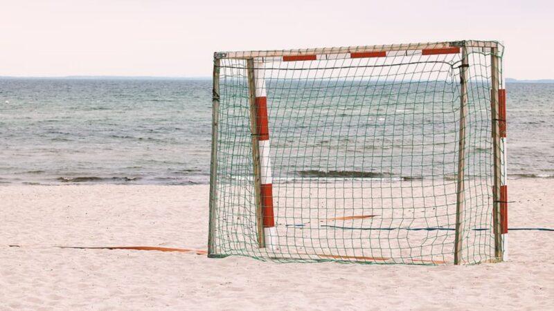 👙 Sexismo en el deporte 👙Sancionan a la selección noruega de balonmano playa por no jugar en bikini